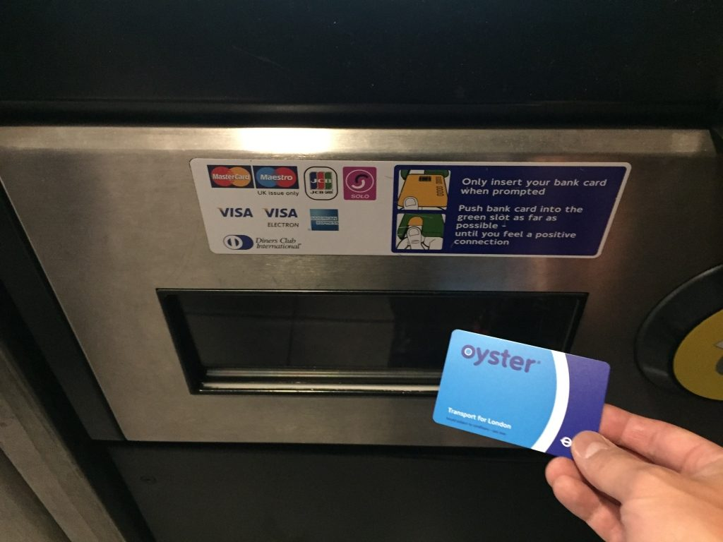 OYSTER CARDを発券