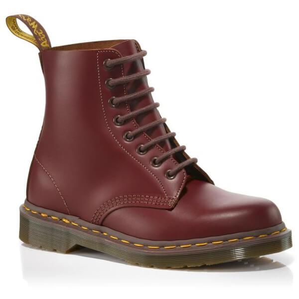 英国製のオックスブラッドのブーツ
