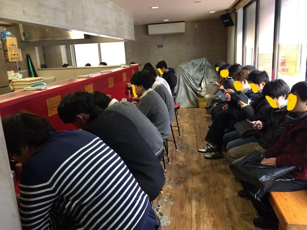ラーメン二郎 札幌店の店内
