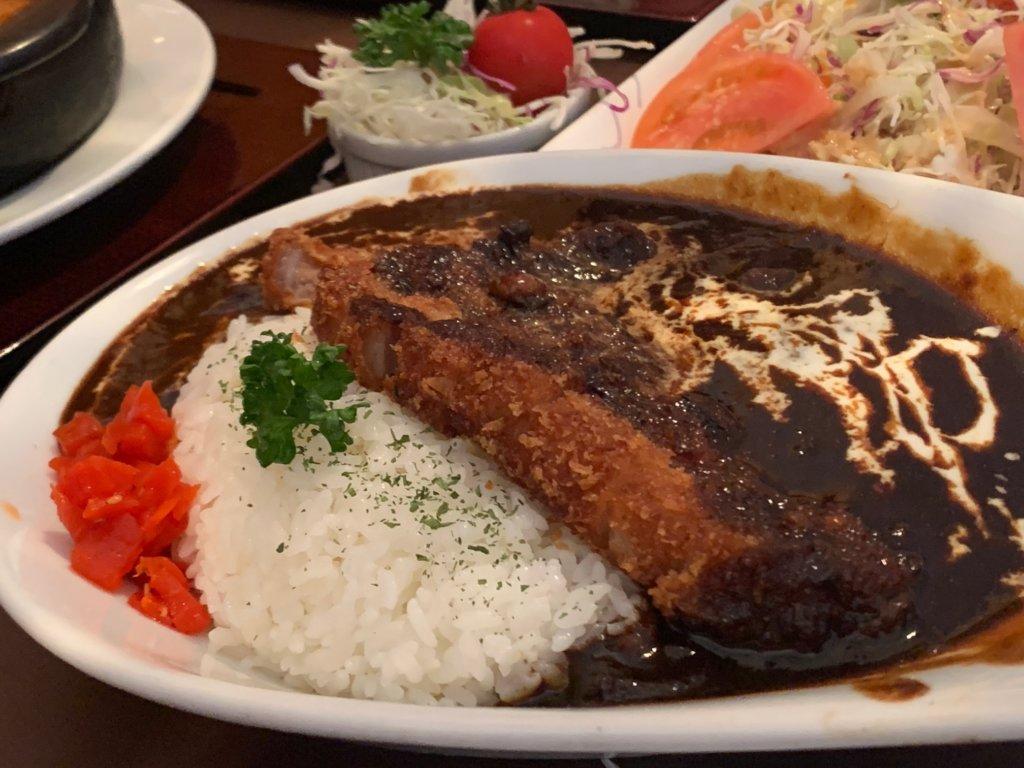 札幌の洋食レストランユっぴーのビーフカツカレー