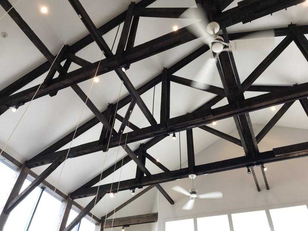 Shiro 砂川店の天井