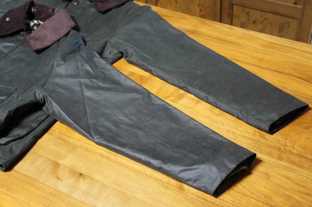 バブアービデイル SLとノーマルの裾幅を比較