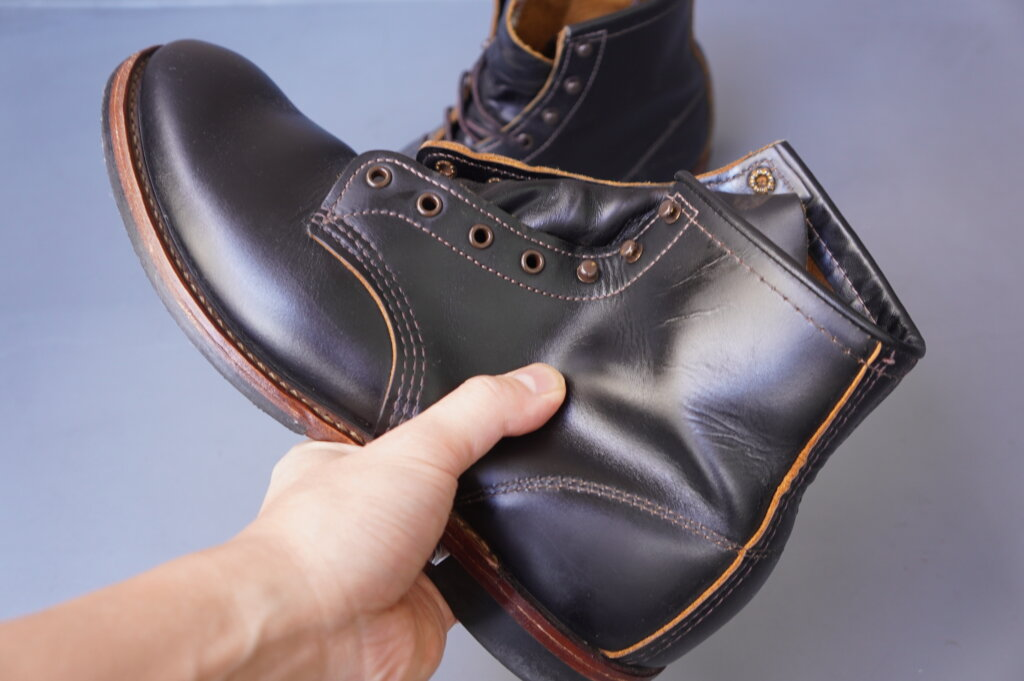 オイルが浸透して柔らかくなったレッドウィングのブーツ