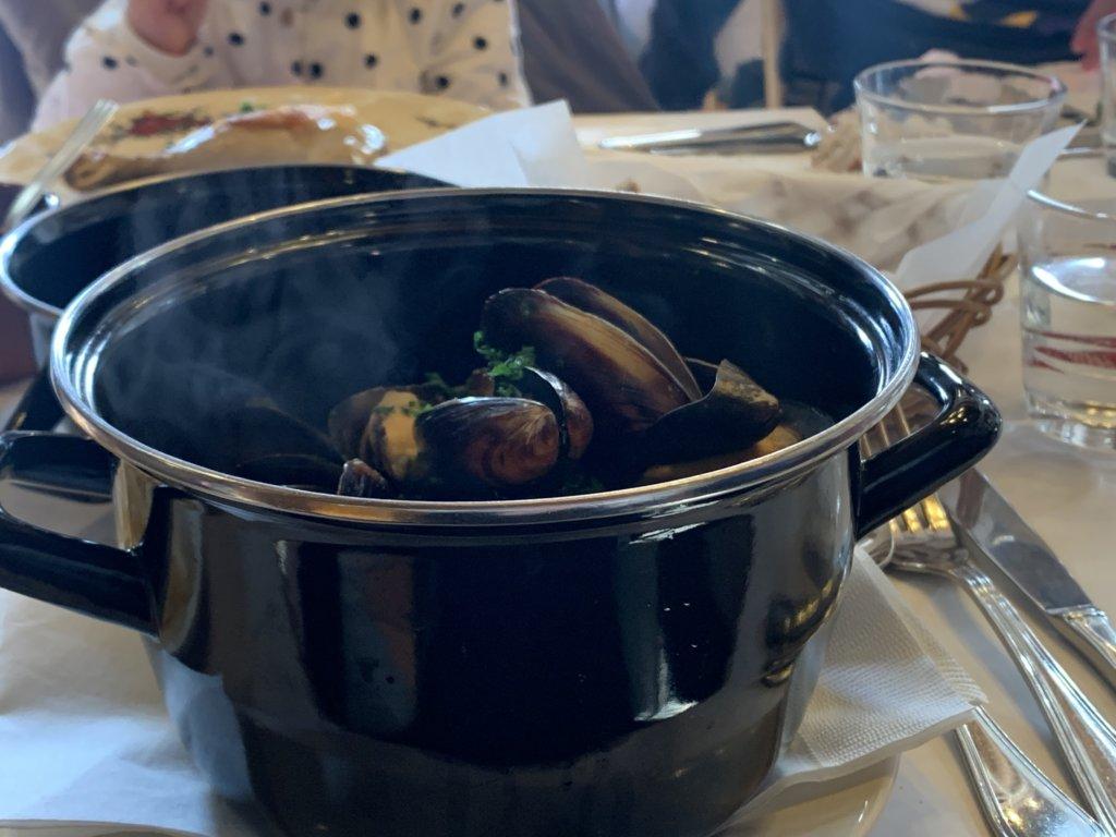 ビストロプティットレジョン  ムール貝の白ワイン煮