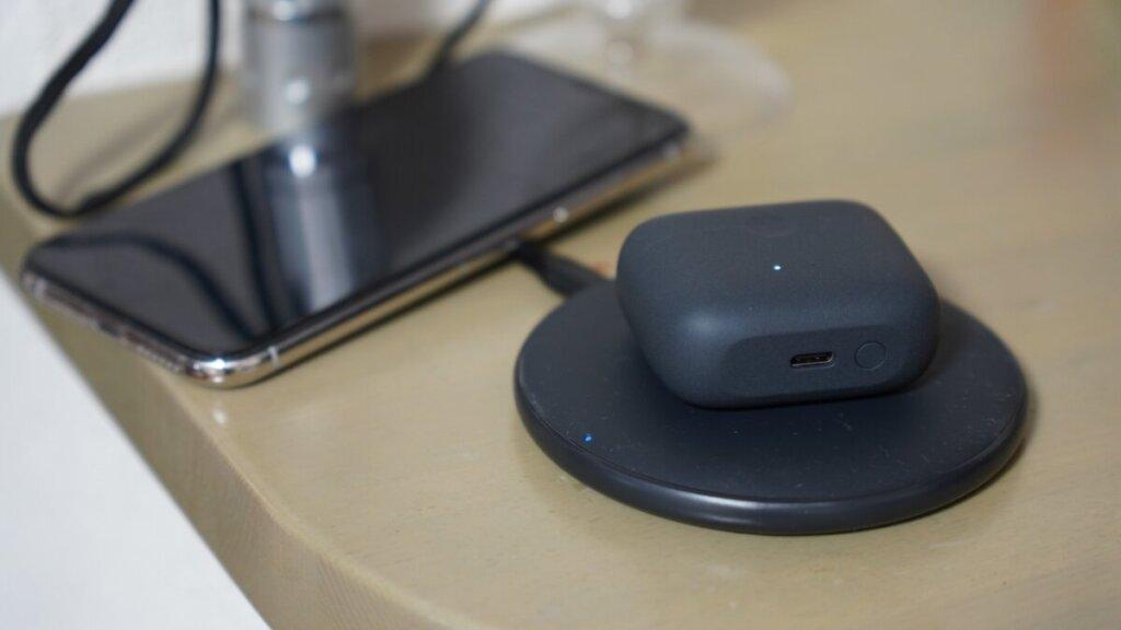ANKER サウンドコア リバティエア2は無線充電対応